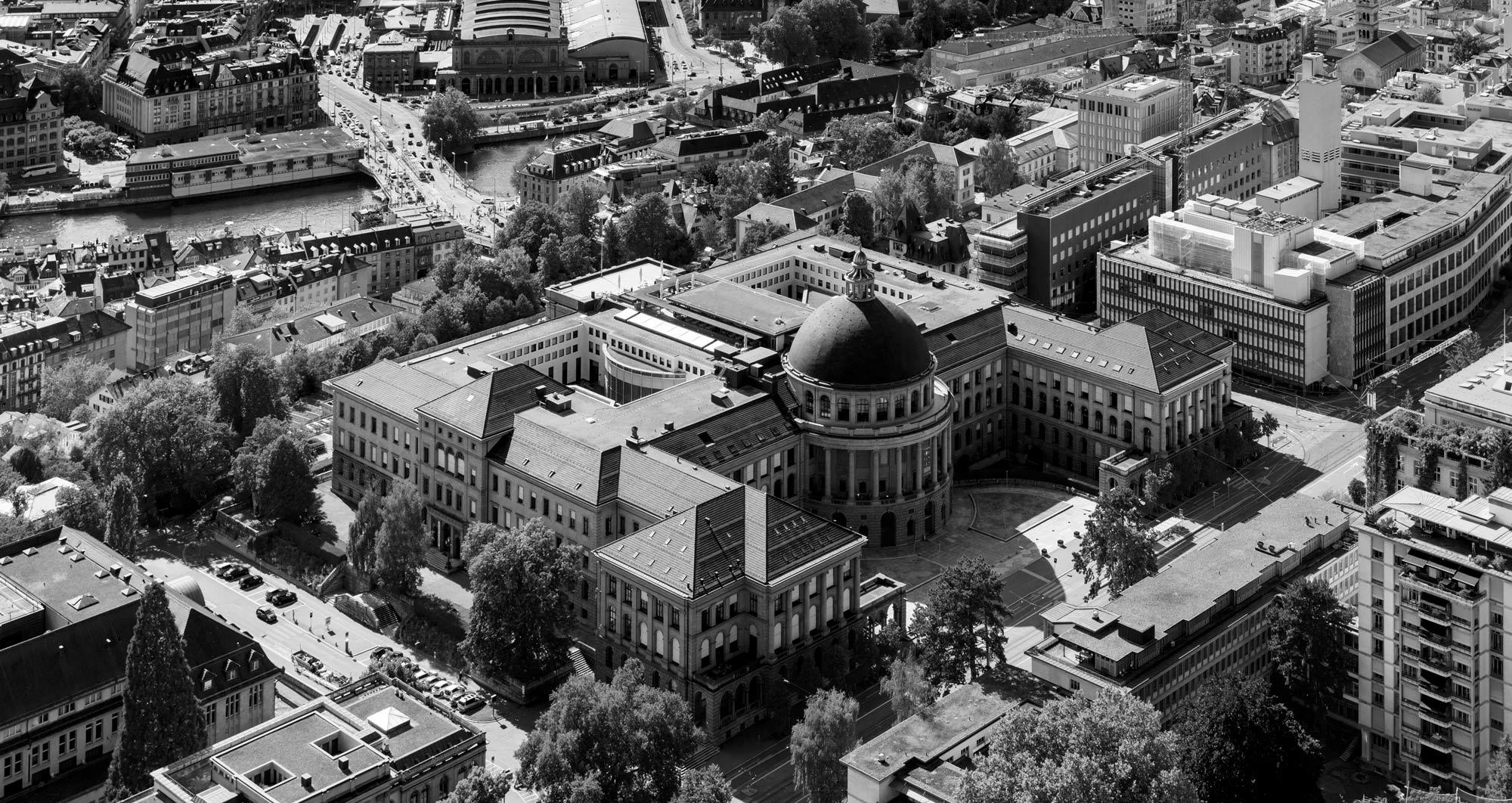 Eidgenössische Technische Hochschule Zürich in schwarz weiss